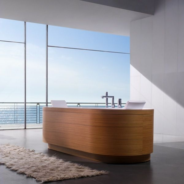 Beautiful Natural Lighting - Freestanding Bathtub